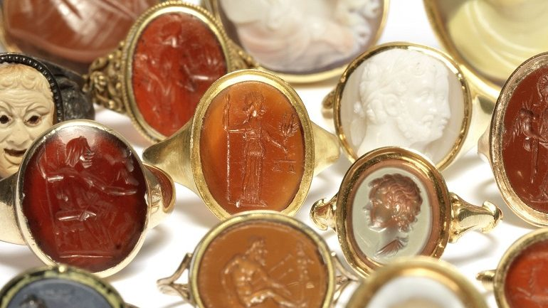 Fine Jewellery Sale at Bonhams Includes Engraved Cameo