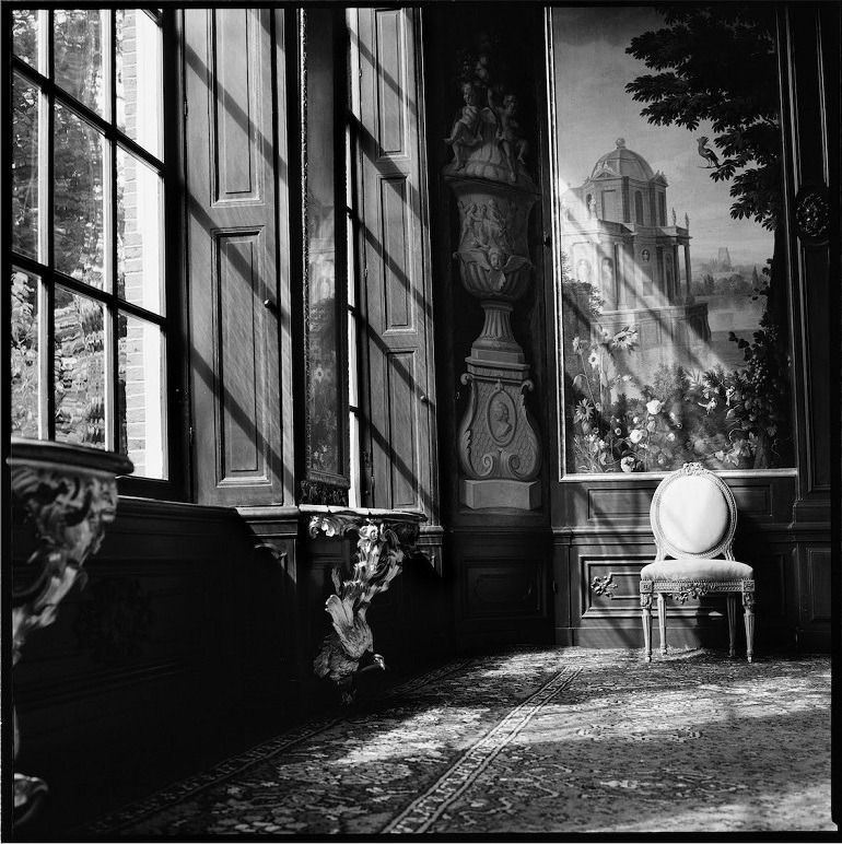 Image: Photograph of the Main Reception Room at Huis van Brienen in Amsterdam Canals taken by Marie-Jeanne van Hövell tot Westerflier- Hidden Beauty