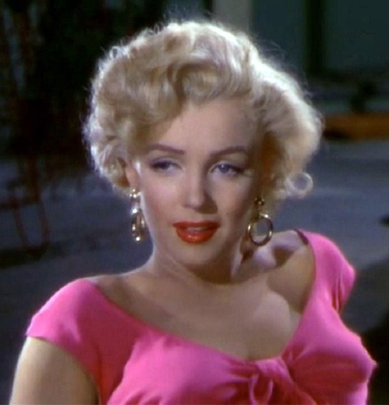 Image: Marilyn Monroe in the 1953 film Niagara directed by Henry Hathaway  enhanced the famous American  Idol status as a sex symbol. Marilyn Monroe quotes