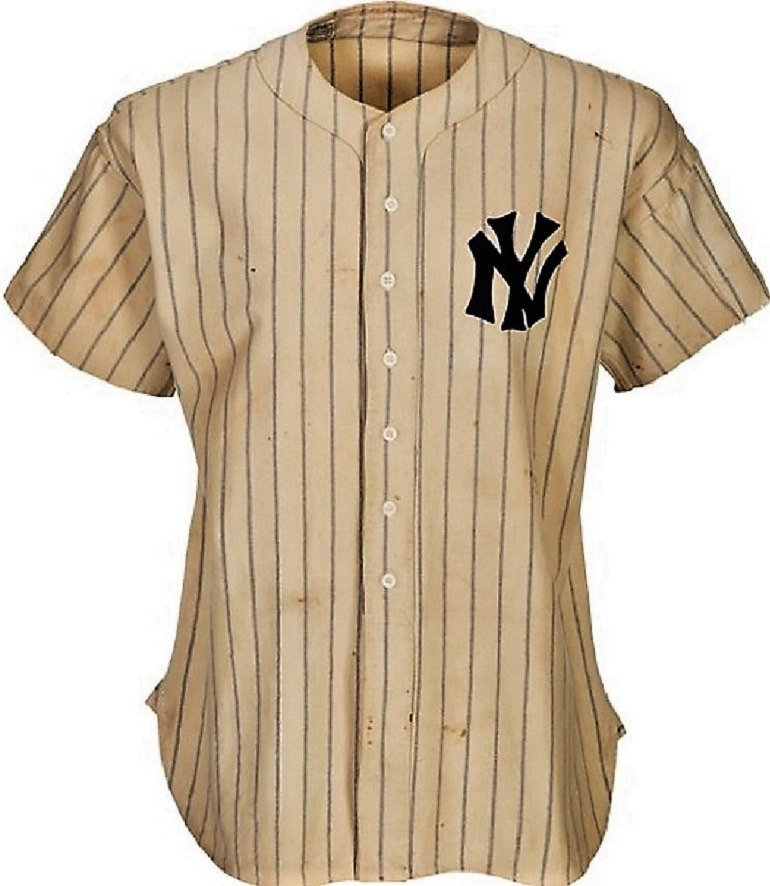 Image: Lou Gehrig's 1937 New York Yankees Jersey sold for $870,000 during Heritage Auctions Sports Auctions